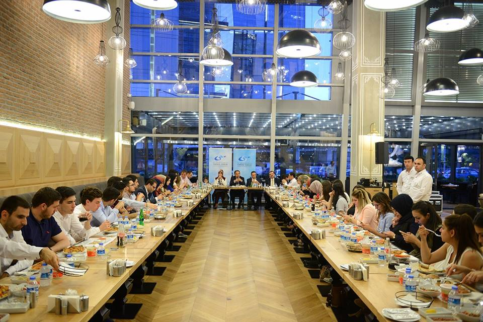 İş Toplantısı Yemek